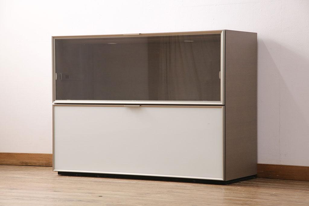 キャビネットや引き戸に!レトロ家具のモールガラスの人気に注目