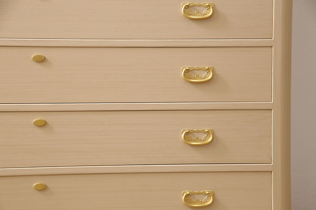 和なお部屋づくり。まず知っておきたいアンティーク衣装箪笥の基礎知識