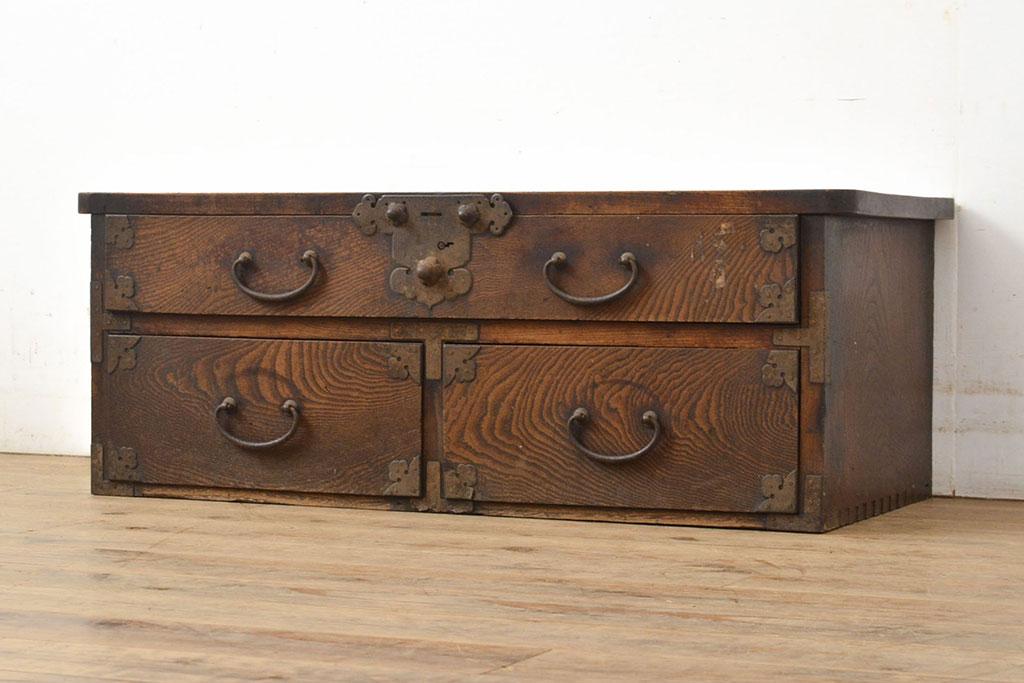 はじまりは船箪笥。仕掛け・隠しがおもしろいアンティークからくり家具