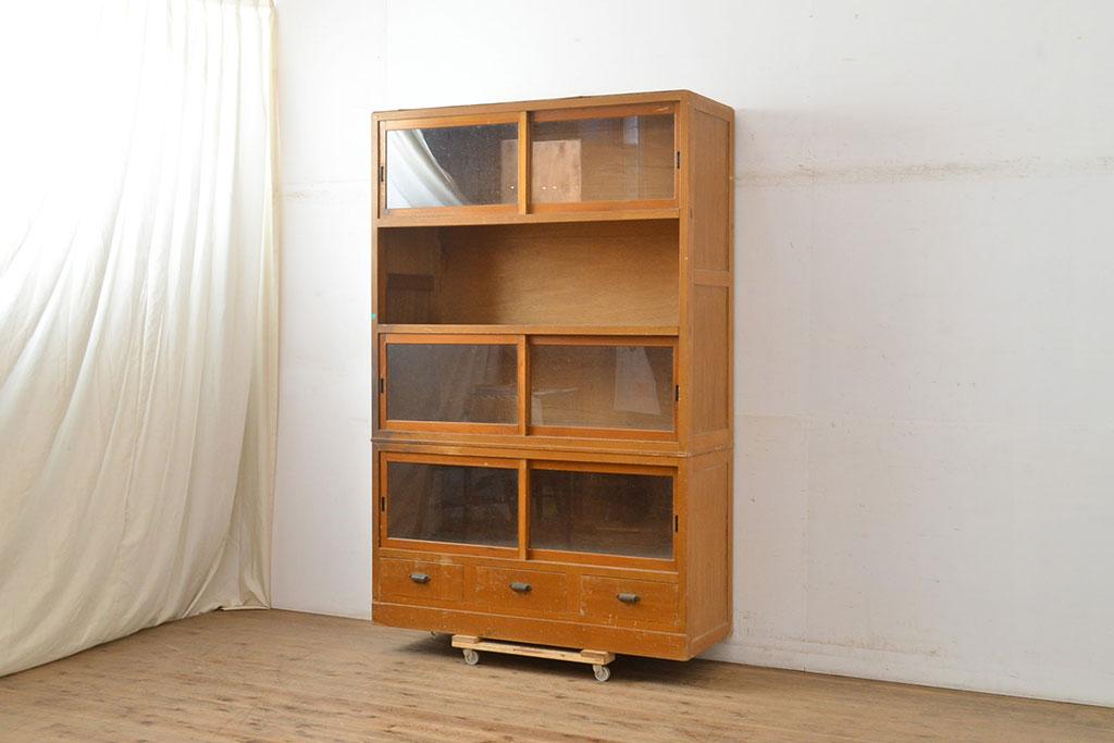 同じ家具!?アンティークにみる本棚と本箱の違いをじっくり検証